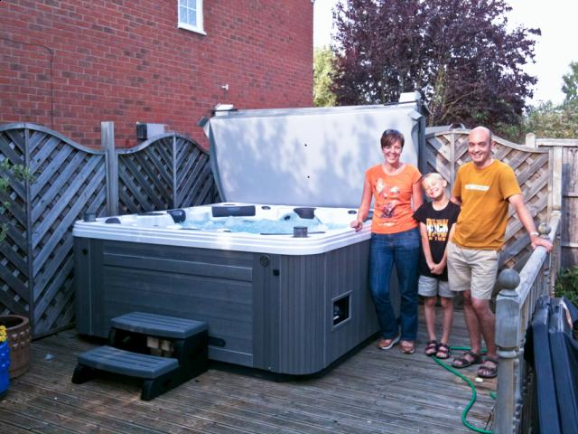 hot tubs cost a fortune to run or do they. Black Bedroom Furniture Sets. Home Design Ideas