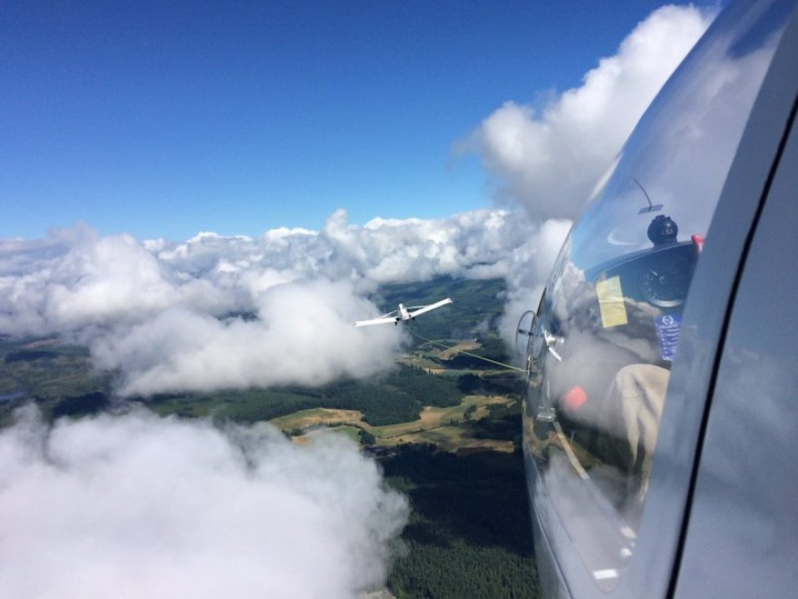 Flying in helicopter via Vancouver Island Soaring Centre